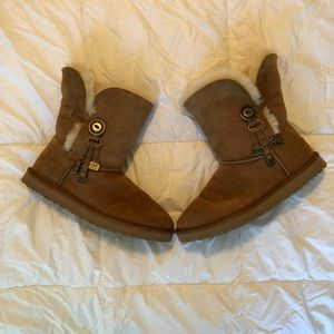 UGG Women AZALEA Sheepskin Boots Size 10 CHESTNUT